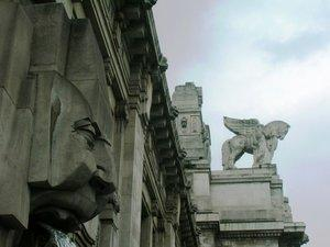 Direction Milan