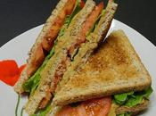 Club sandwich tomate, purée pois chiche d'avocat