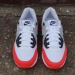 nike-air-max-light-light-crimson-3