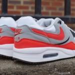 nike-air-max-light-light-crimson-2