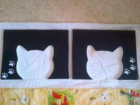 ouverture des cabanes à chats en forme de tête de chat après décoration