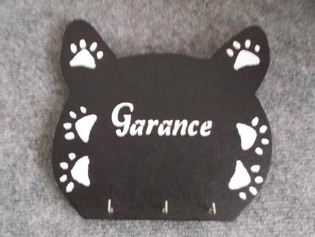 porte clefs en bois en forme de tête de chat