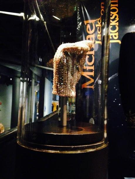 Rock-and-Roll-Hall-of-Fame-Michael-Jackson-Glove