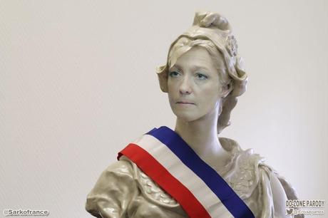 360ème semaine politique: Marine Le Pen, maire du village France ?