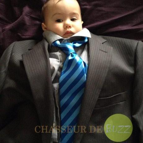 baby_suiting_buzz_bébé