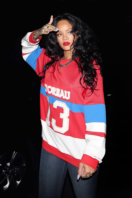 Rihanna quitte le Greystone Manor de West Hollywood - 06.04.2014