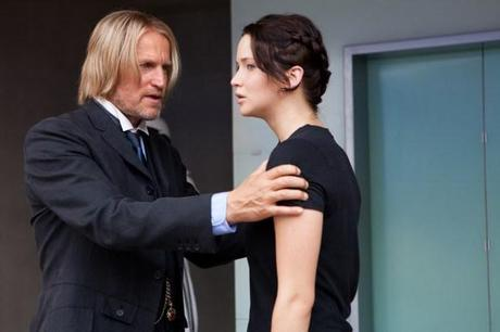 hunger-games-jennifer-lawrence-woody-harrelson-image-600x400
