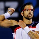 Peut-on porter des lunettes sur un court de tennis?