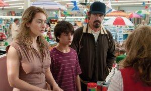 Last-days-of-Summer-Photo-Gattlin-Griffith-Josh-Brolin-Kate-Winslet-01-2