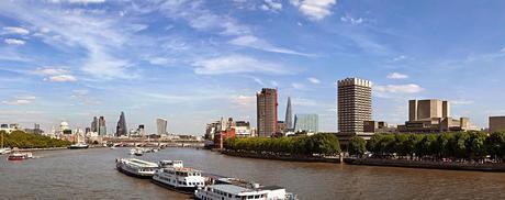 Un weekend à Londres ou à Paris ? / II  Les banlieues et les hommes