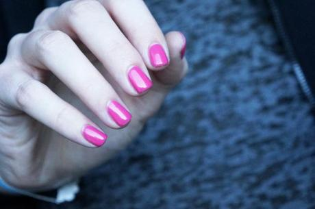 OPI Strawberry Margarita swatch - Manucure semi-permanente avis test review Culture of Color