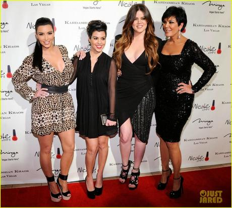 Friday wear* Kardashian vs Anne Sinclair, cherchez le Femme !