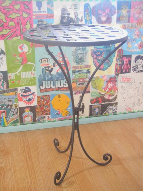 Une table d'appoint So Fifties