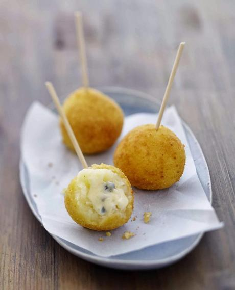 Pour un apéritif chaud : Croquette de fromage au Bresse Bleu