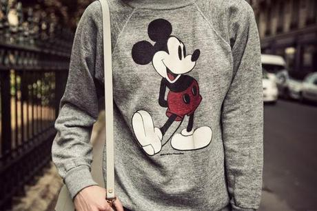 THE MICKEY MOUSE SWEATER