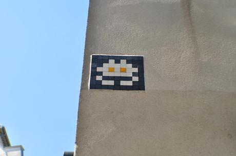 Space Invader white