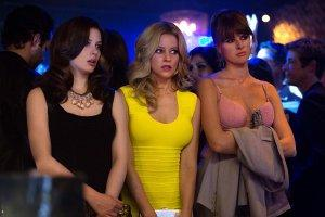 Blackout-Total-Photo-Elizabeth-Banks-Gillian-Jacobs-Sarah-Wright-01