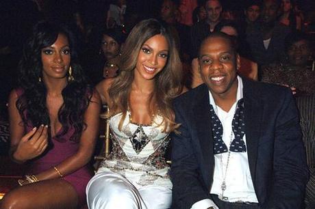 De gauche à droite, Solange Knowles, Beyoncé Knowles et Jay-Z