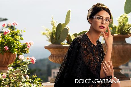 Source : http://www.dolcegabbana.com/eyewear/advertising-campaign/women-sunglasses-campaign-ss-14/