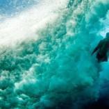 Photos inédites de surfeurs sous l'eau dans d'extrêmes conditions