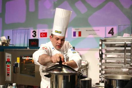 Le chef français en action © P.Faus .JPG copie