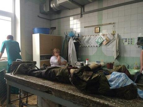 PERMIS DE TUER. Donbass (+18 ans, photos+vidéos): les fascistes ont tué plus de 100 personnes à Donetsk