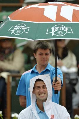 Quand Djokovic trinque avec un ramasseur de balles !