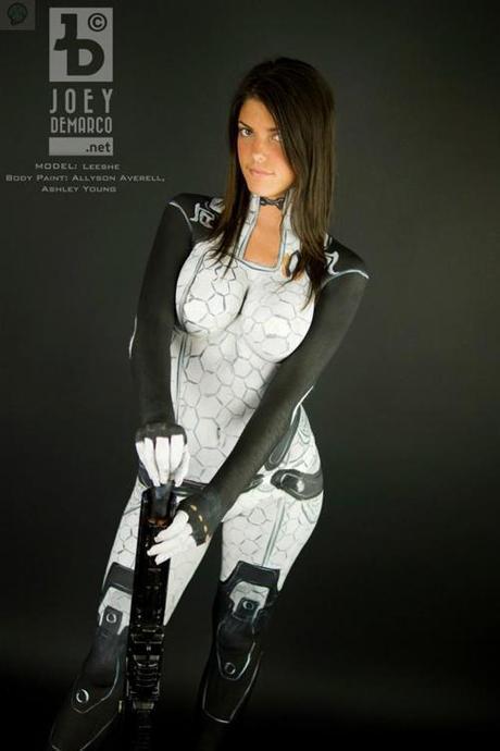miranda body paint 03 Cosplay   BodyPaint Miranda   Mass Effect  miranda mass effect cospla bodypaint