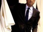"""Petit Journal filme Président Hollande lors pause pipi"""" aire d'autoroute"""