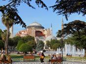 Istanbul. Extérieur. Jour.