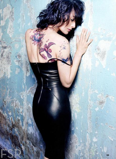 fashion scans remastered lena headey esquire usa april 2013 scanned by vampirehorde hq 1 [News] Lena Headey : la reine Cersei Lannister se dévoile...