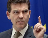 montebourg attention