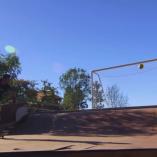 Bob Burnquist invente le «footskateboard»