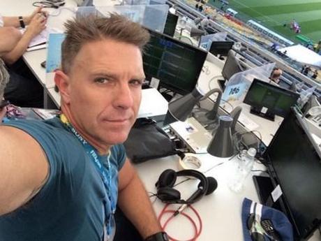 Quand Messi fait craquer un journaliste en direct !