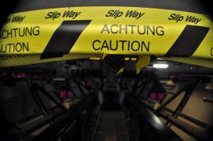 Achtung Caution
