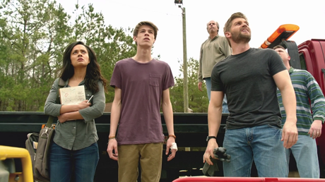Les critiques // Under the Dome : Saison 2. Episode 1. Heads Will Roll.