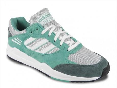 adidas_tech_super_ef_w_fade_ocean_running_white_light_onix_m29666_4_