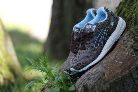 Asics-wns-leopard-animal