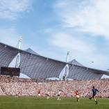Découvrez le livre» The Beautiful Game, le football des années 1970″