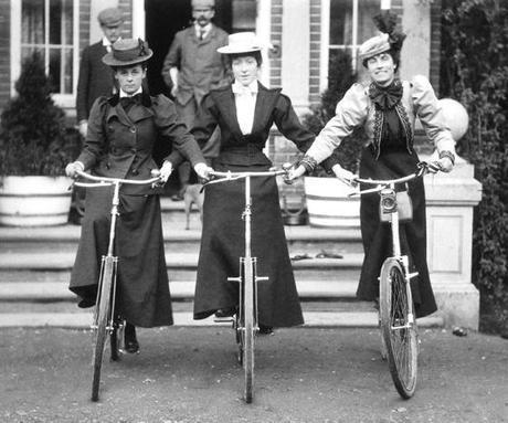 Women-bike-copie-1.jpg