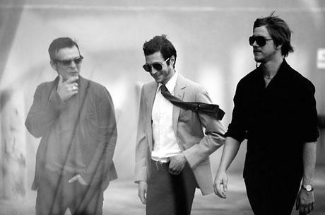Blonde et Idiote Bassesse Inoubliable***************Turn on The Bright Lights d'Interpol