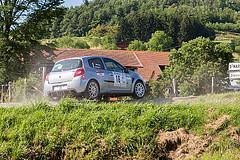16 - Renault Clio - Claude Baratay et Aline Morel