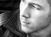 Nick Jonas lance projet solo, premier titre plus urbain, Chains.