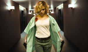 Lucy-Photo-Scarlett-Johansson-01-2