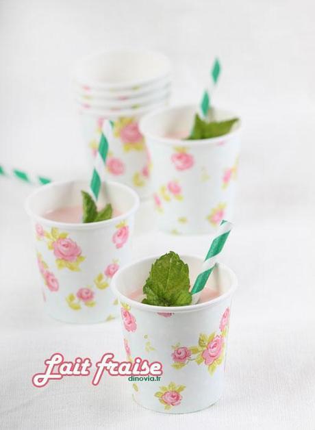 Gobelet a fleur pour lait fraise