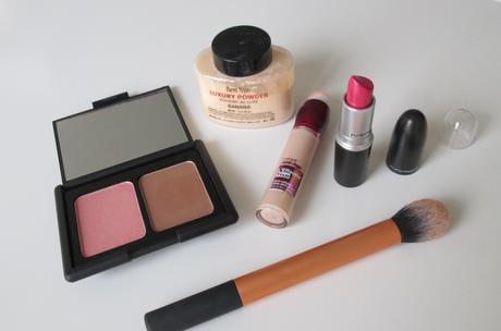 Make-up : Emergency kit