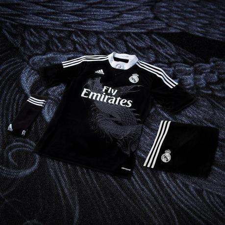 photo maillot real madrid noir dragon 6