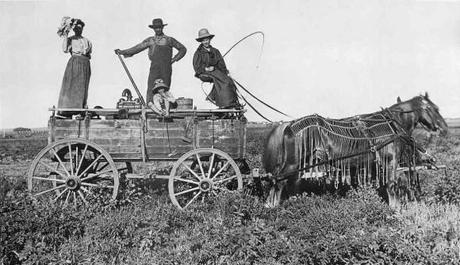 A-Kansas-water-wagon-in-the-year-1900