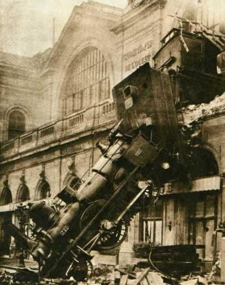 Accident at Montparnasse station, 1895