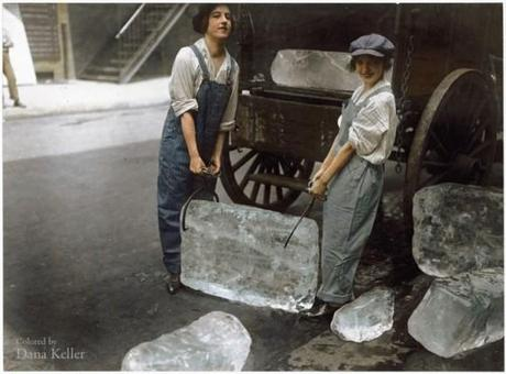 Girls delivering ice, 1918